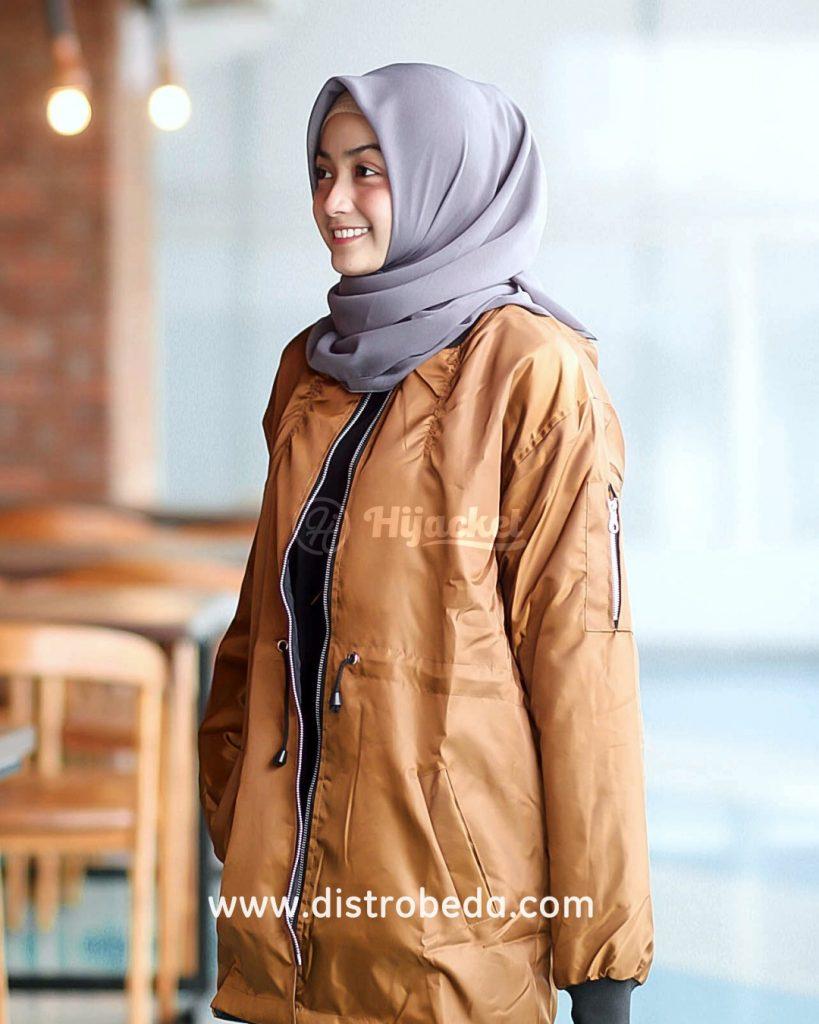 Jaket Bomber Wanita Bandung Murah Muslimah Distro Beda Maroon Polos Gold
