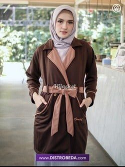 Hijacket Elnara Brown